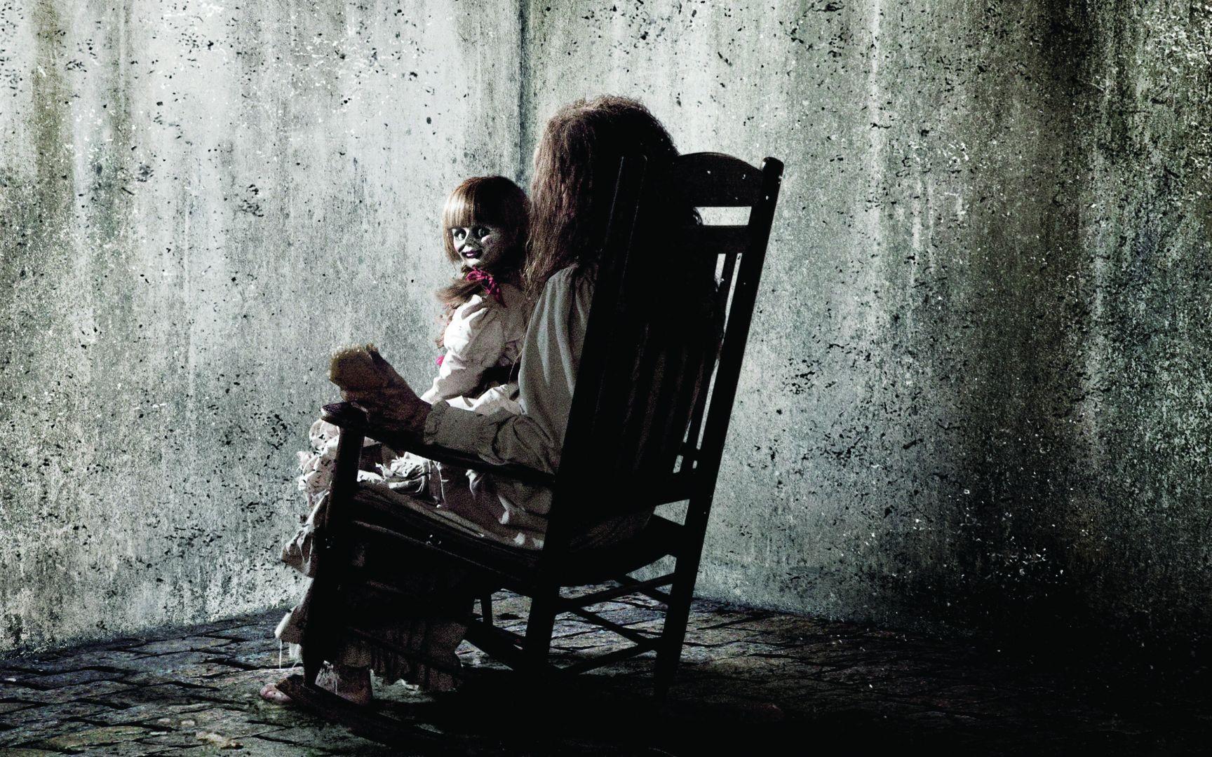 Trailer bande annonce flippante pour annabelle le cine for Annabelle chaise