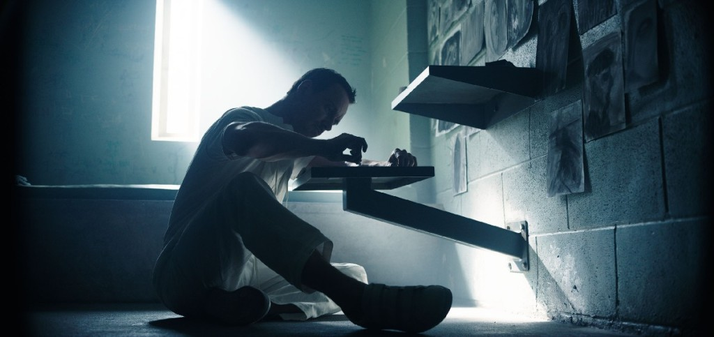 A6-2B-Full_Range – Callum Lynch (Michael Fassbender) tries to make sense of his incredible experiences. Photo Credit: Courtesy Twentieth Century Fox.